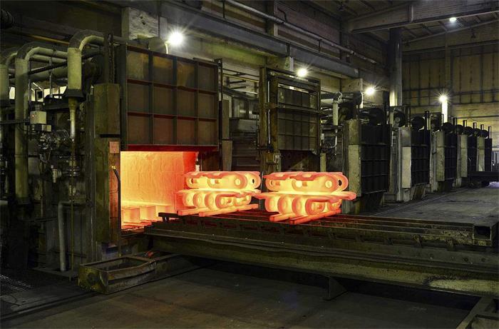 铸造厂退火炉中的铸铁